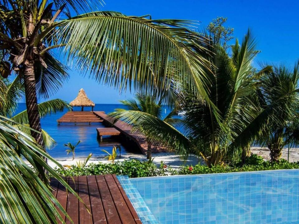 výhled pláž od bazénu.jpg